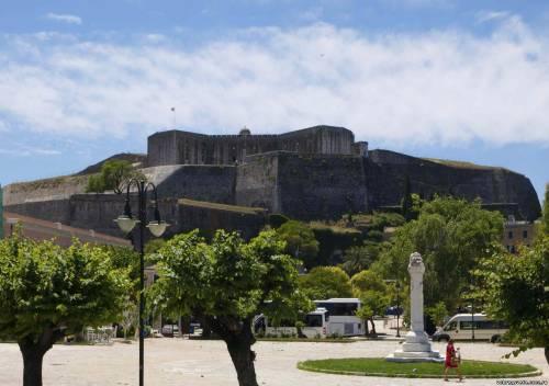 Вид на Новую крепость с набережной Керкиры