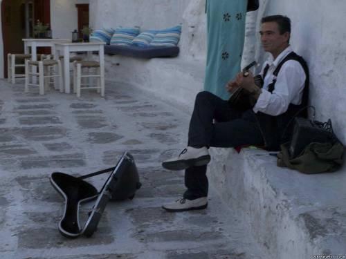 Миконос. Музыкант